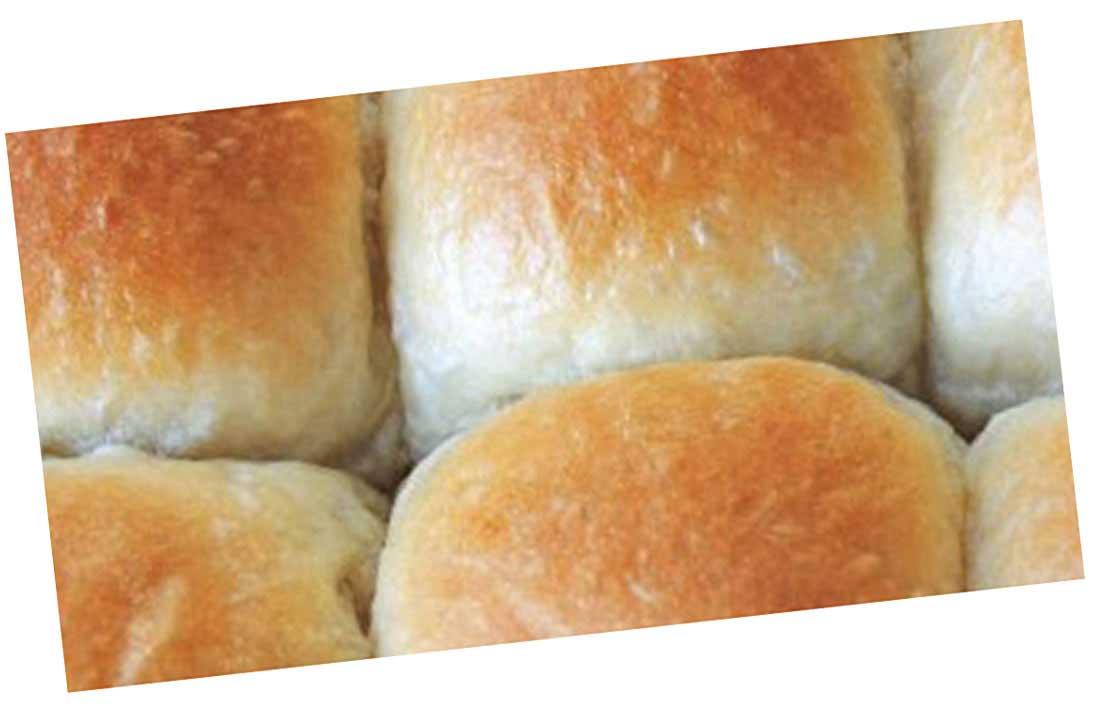 BBQ Ribs w/Hawaiian dinner rolls